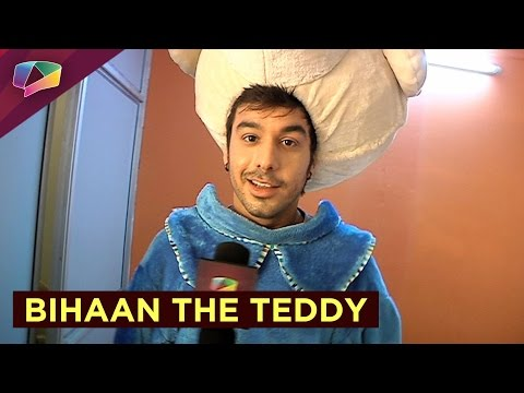 Check out Manish Goplani flaunting his 'Teddy' loo