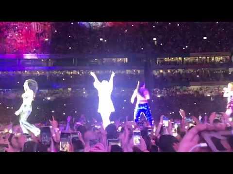 Video - Οι Spice Girls έδωσαν την πρώτη τους συναυλία μετά την επανένωση και πήγαν όλα στραβά