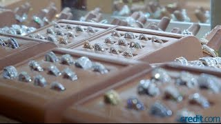 Video What's the Difference Between a $1,000 Ring & an $80,000 Ring? MP3, 3GP, MP4, WEBM, AVI, FLV Februari 2018