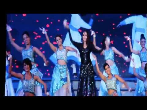 ASHWARIYA - On April 06,2013 Times of India Film fare Awards (TOIFA) held at Vancouver, Canada. It is great vent sponsored by British columbia government. The event was ...