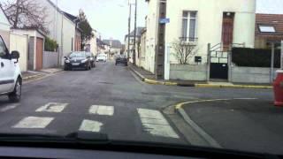 Video Savoir detecter une intersection (permis de conduire étape 2) leçon 1. MP3, 3GP, MP4, WEBM, AVI, FLV November 2017