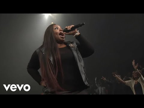 Tasha Cobbs Leonard - Put A Praise On It (feat. Kierra Sheard) (Live)