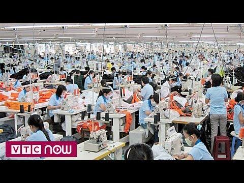 Chiến tranh thương mại Mỹ-Trung: Ngành may mặc lao đao | VTC1 - Thời lượng: 72 giây.