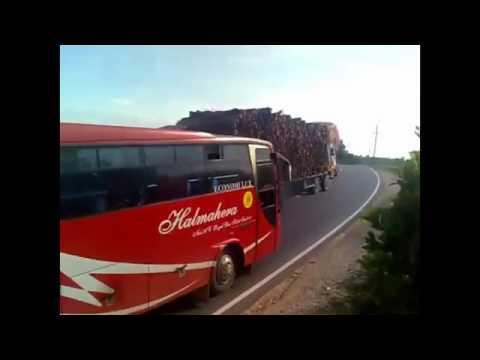Download Video Gaya Ngeblong Bus Sumatra Lintas Sumatra VS  Bus Jawa Lintas Pantura