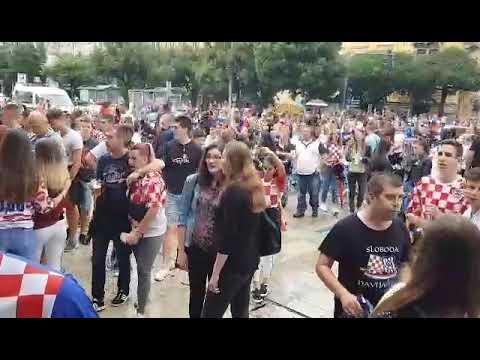 Atmosfera na riječkoj Rivi uoči početka polufinala (2)