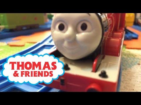 Video 【trenes de juguete 】Thomas y sus amigos juguetes - James (00383 es) download in MP3, 3GP, MP4, WEBM, AVI, FLV January 2017