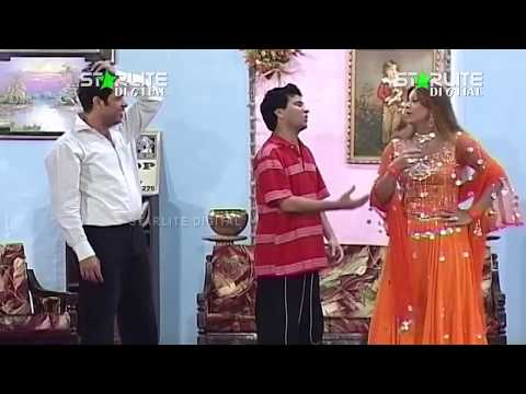Video Nasir Chinyoti and Tariq Teddy Nazim Mangay Teddy New Pakistani Stage Drama Full Comedy Play download in MP3, 3GP, MP4, WEBM, AVI, FLV January 2017