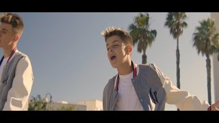 Video Sólo Amigos - Adexe & Nau (Official Video) MP3, 3GP, MP4, WEBM, AVI, FLV Januari 2018