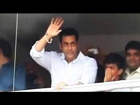 SALMAN - Actor Salman Khan had a special Eid in store for his fans, family members and friends. He posted a special Twitter message for his fans, shared yummy dum biryani with some friends and then...