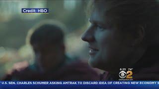 The singer appeared in last night's season seven premier. CBS2's Alex Denis reports.