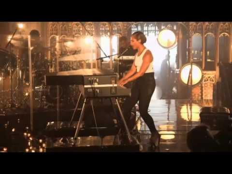 Alicia Keys -- Girl On Fire (Live At Manchester Cathedral)