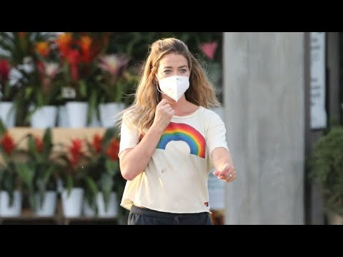 """Denise Richards Steps Out For Groceries After Kyle Richards Calls Her A """"Ragamuffin"""""""