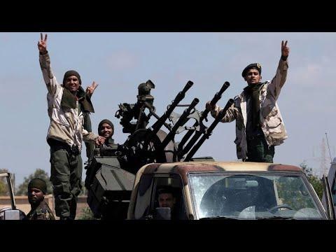 Libyen: Hauptstadt Tripolis unter Beschuss von Rebell ...