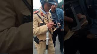 Video CSGT Hải Phòng bắt láo lỗi đèn vàng bị tài xế mắng cho một trận MP3, 3GP, MP4, WEBM, AVI, FLV September 2019