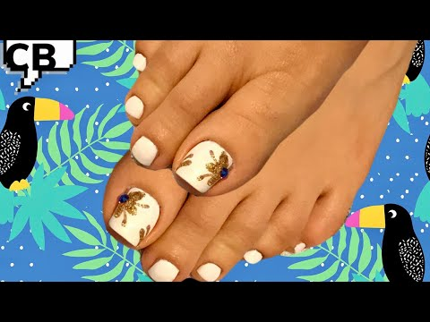 Decorados de uñas - Diseño de uñas Elegante en color Blanco y Dorado