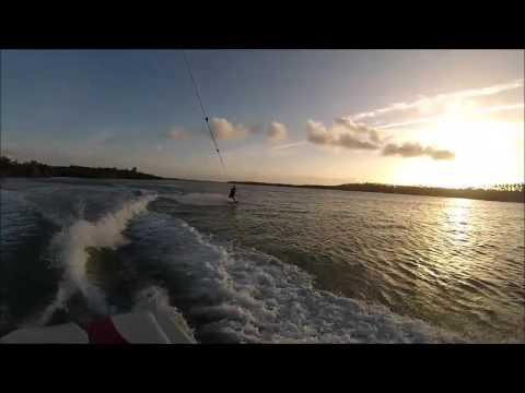 Vento forte para o parapente em Cacimbinhas da Praia de Pipa então Wakeboard na Barra de Cunhaú
