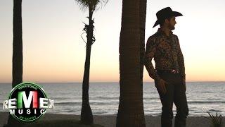 video y letra de Los amigos no se besan por Diego Herrera