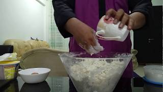 Video Viral Cara cara uli tepung roti canai Mohamad Yusni Yusoff MP3, 3GP, MP4, WEBM, AVI, FLV Oktober 2018