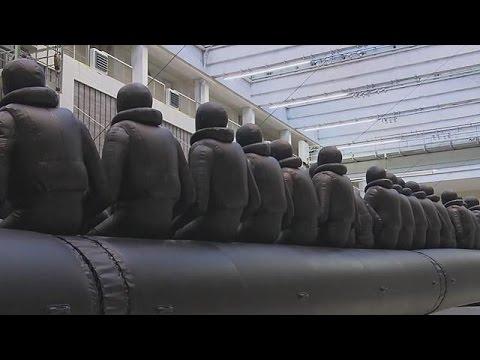 Πράγα: Το προσφυγικό δράμα με τη ματιά του Ai Weiwei