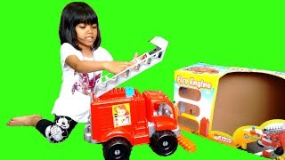 Hey guys, join Amani today unboxing her surprise Fire Engine Toy Truck. She unboxes a huge Fire Engine Toy and plays with it. It comes with 30 colorful building bricks and a huge ladder too! What an awesome colorful toy for young kids. It is good for kids role playing too. Check our Awesome Videos:https://www.youtube.com/watch?v=jBIiwxpFK4c&list=PLzahQAalW-PgGFBK2ej2w-elb6BEC6ly4Our Fun Ride On Videos:https://www.youtube.com/watch?v=W5Ia-QfGWOo&list=PLzahQAalW-PgDVj590PlF9K06iw6ZTlv3Superhero & Princess Action Videos:https://www.youtube.com/watch?v=jR75lmudg40&list=PLzahQAalW-Pg47AHlXl1Tf1z5T9oYbSXoShopping & Days Out:https://www.youtube.com/watch?v=22fCmnnULNw&list=PLzahQAalW-PiyVi7AHw7-LDJGIKxc1zGNToy in other Languages: खिलौने, brinquedos, ของเล่น, اللعب, igračke, đồ chơi, oyuncaklar, leksaker, juguetes, играчке, игрушки, jucării, тоглоом, leker, اسباب بازی, zabawki, 장난감, トイズ, giocattoli, mainan, játékok, צעצועים, Hračky, legetøj, speelgoed, laruan, jouets, Spielzeug, ΠαιχνίδιαNadia Amani Toys is a fun channel where we do Toy reviews and unboxing, Playtime fun, Power Wheels Unboxing, Games and challenges, family days out, fun activities and more! We love kids YouTube Channels so we asked our dad to help us make our own! So guys can you please LIKE-COMMENT-SUBSCRIBE to our channel and help Nadia Amani Toys grow. Thank you.