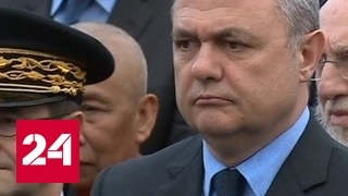 Глава МВД Франции подал в отставку из-за скандала с дочерями