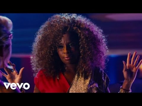 Mary J. Blige feat. Constantine Maroulis & Julianne Hough – Any Way You Want It