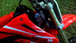 7. 2005 HONDA CR85R START UP