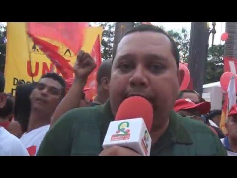 Mais de 60 mil pessoas ocupam a Praça da Sé para defender a democracia