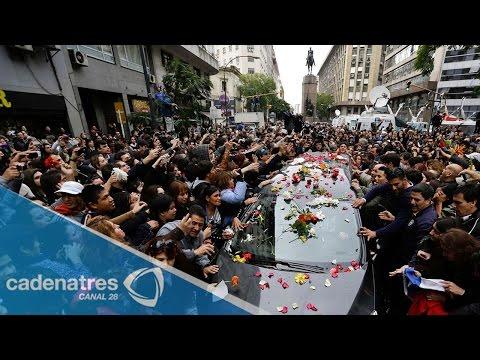 stereo - Último adiós a Gustavo Cerati / Funeral del vocalista de Soda Stereo 05 septiembre 2014 Miles de personas despidieron a Gustavo Cerati. Les presentamos los d...