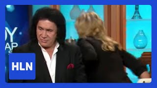 Video Shannon Tweed walks out on Gene Simmons MP3, 3GP, MP4, WEBM, AVI, FLV Juli 2018