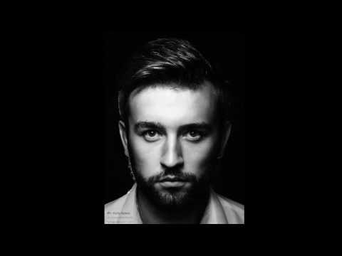 До мурашок по шкірі: Микола Бобрик написав музику до нової пісні [ВІДЕО]