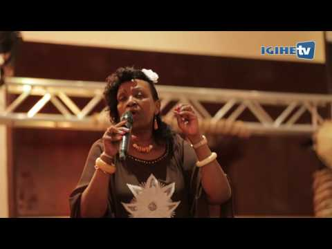 Video Cecile Kayirebwa yizihije isabukuru y'imyaka 70 mu gitaramo cy'imbonekarimwe download in MP3, 3GP, MP4, WEBM, AVI, FLV January 2017