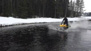 6. Ski-Doo Tundra 550F Waterskipping