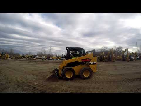 CATERPILLAR CHARGEURS COMPACTS RIGIDES 242D equipment video bD1XI61evw0