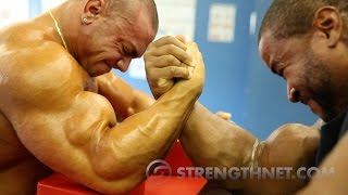 Video Arm Wrestling: Anthoneil vs Tristen MP3, 3GP, MP4, WEBM, AVI, FLV November 2018