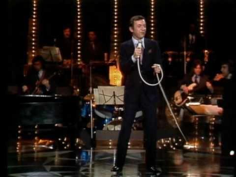 Tekst piosenki Bobby Darin - Artificial flowers po polsku