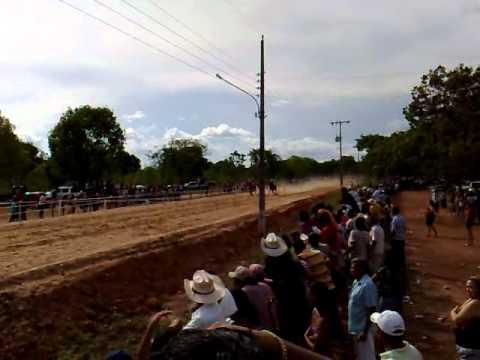 Corrida de cavalos em Livramento - MT 21/11/2010 as 16:20