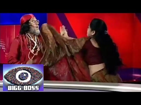 Big Boss 10's Swami Om SLAPS A Woman On National
