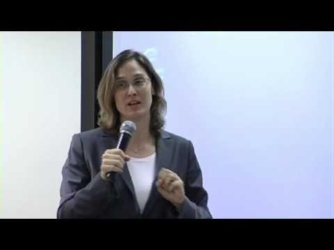 Attorney  'd Ziona King - Löwe auf Gleichheit bei der Arbeit