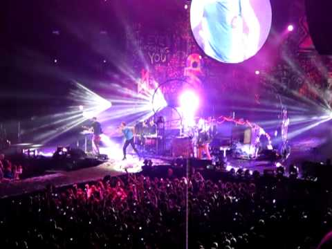COLDPLAY - Under One Roof - 10th December 2011 @ O2 Arena London - part 2