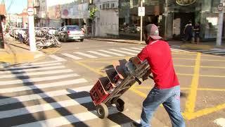 Comércio retoma as atividades em Marília com lojas abrindo às nove da manhã