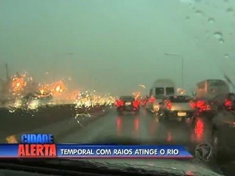 Chuva forte causa transtornos no Rio de Janeiro