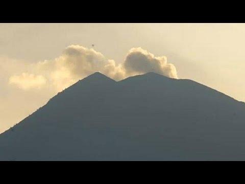 Μπαλί: Συναγερμός για την έκρηξη του ηφαιστείου Αγκούνγκ