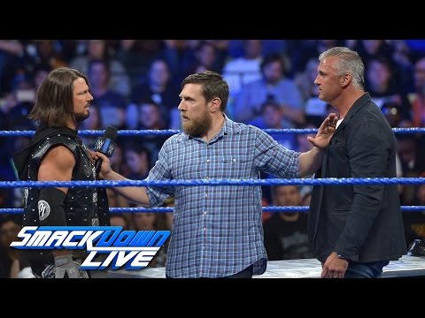 A war of words raises the stakes of WrestleMania Contract Signing: SmackDown LIVE, March 28, 2017_Legjobb videók: Sport