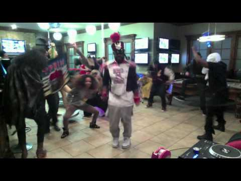 t pain - T Pains take on all the recent Harlem Shake videos.