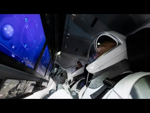 Стыковка SpaceX Crew Dragon с МКС