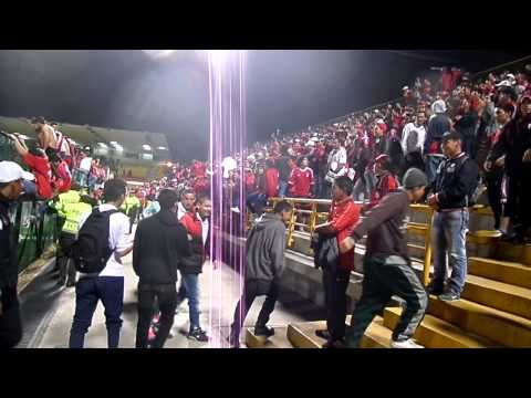 Disturbio rojo bogota 2015 - Disturbio Rojo Bogotá - América de Cáli