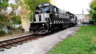 Farmington (NY) United States  City pictures : FGLK Local Train In Canandaigua, NY