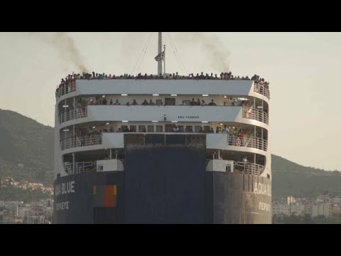 Griechenland: 1.400 Migranten von Lesbos nach Nordgrie ...