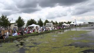 #468 Hampton Court Flower Show 2011 - Wasserachse
